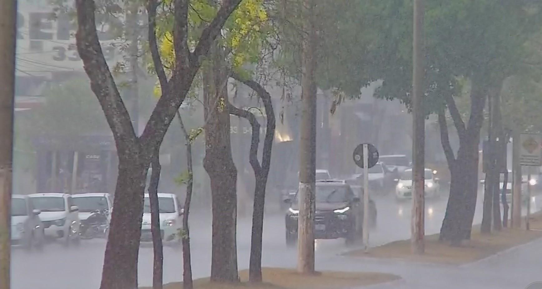 Cuiabá e outros municípios têm previsão de chuva para o fim de semana
