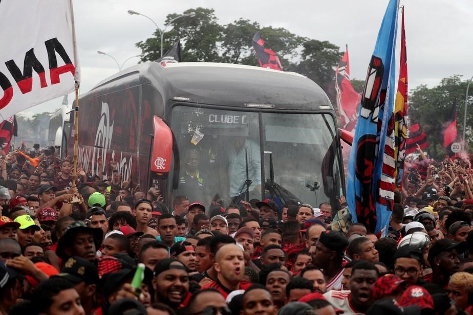 Com promessa de mais uma festa da torcida, Flamengo embarca nesta sexta para o Catar