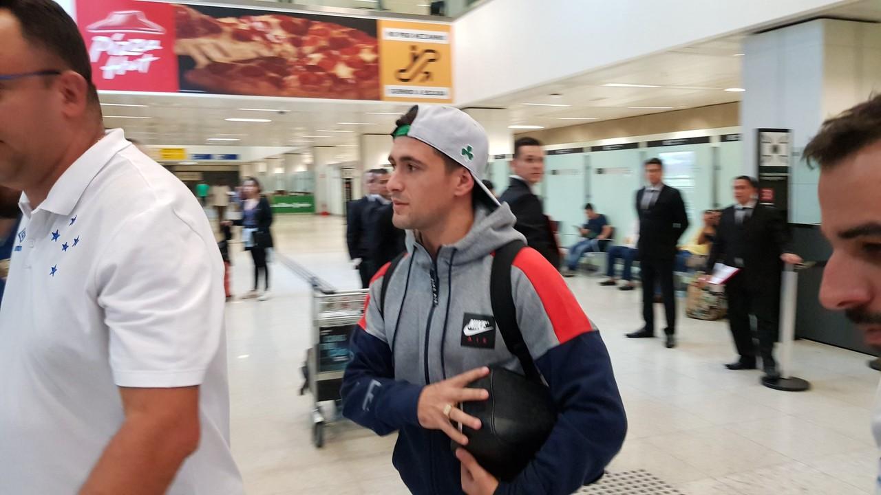 Após viagem de R$ 60 mil, Arrascaeta desembarca em São Paulo para final da Copa do Brasil
