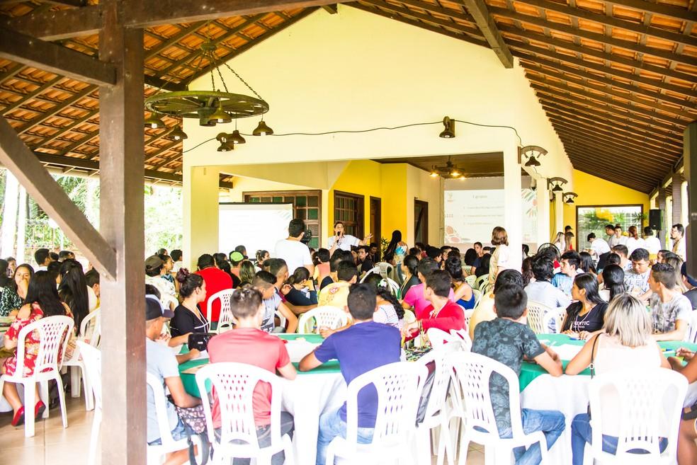 Projeto Juruti Up desenvolvem atividades de incentivo ao empreendedorismo sustentável junto a jovens de Juruti — Foto: IJUS/Divulgação