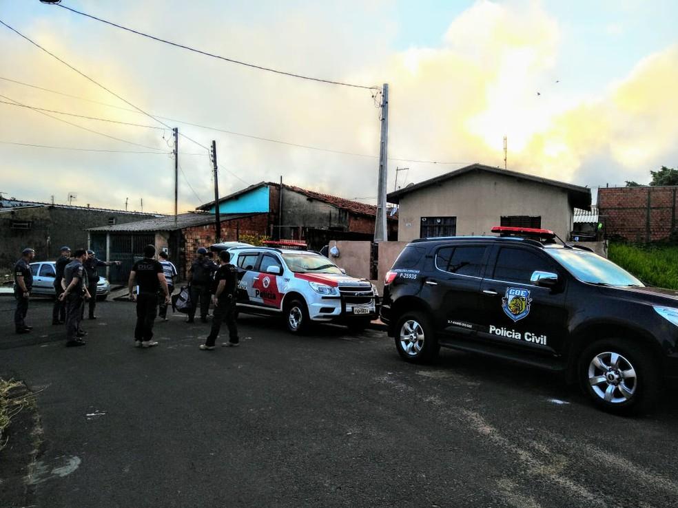 Policiais civis e militares apreendem armas em Avaré (SP) — Foto: Polícia Civil/Divulgação
