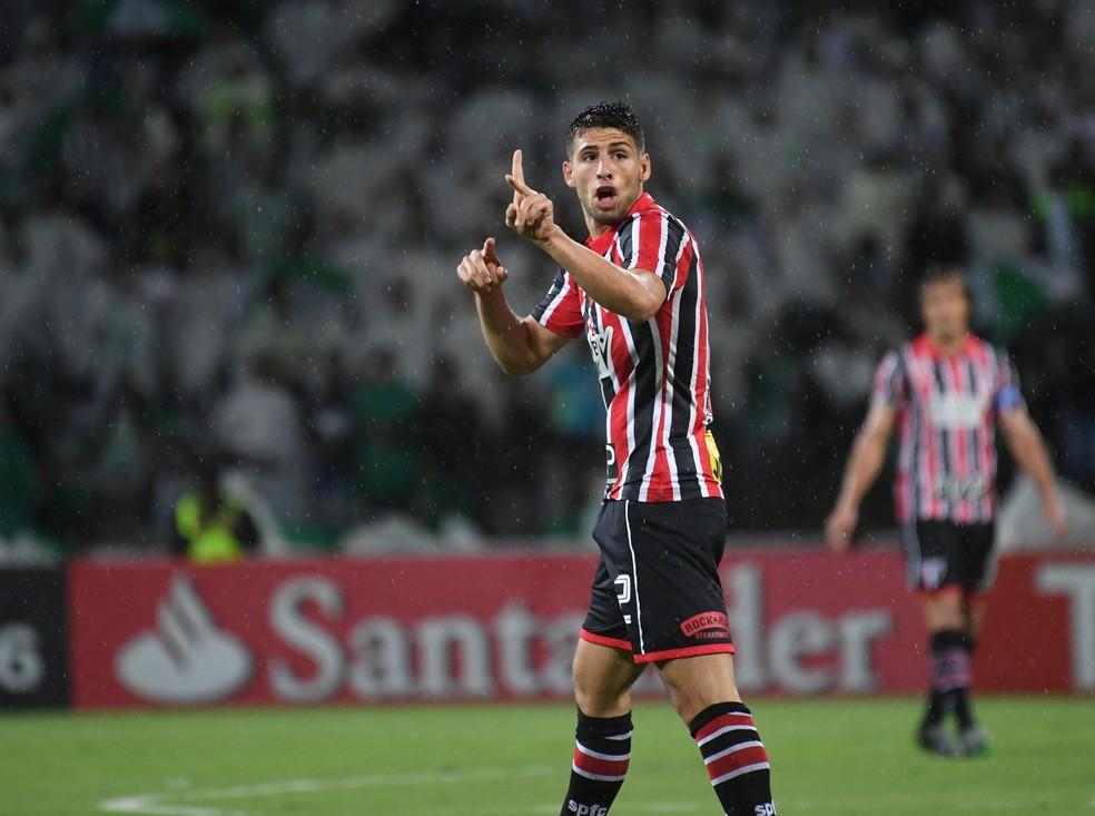 Jonathan Calleri jogou no São Paulo em 2016 — Foto: AFP