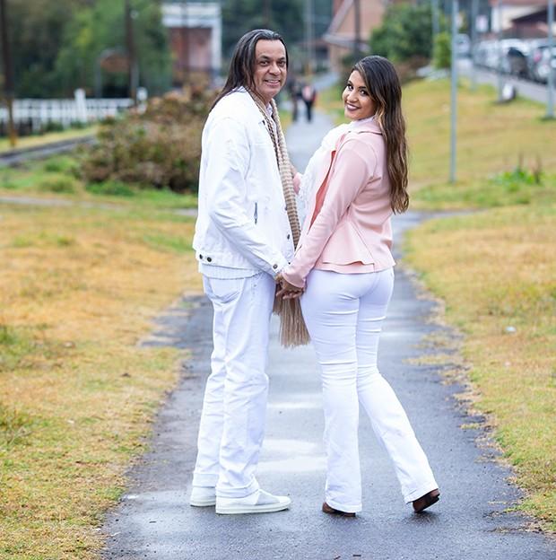 Frank Aguiar e Carol Santos (Foto: Elias Aftim)