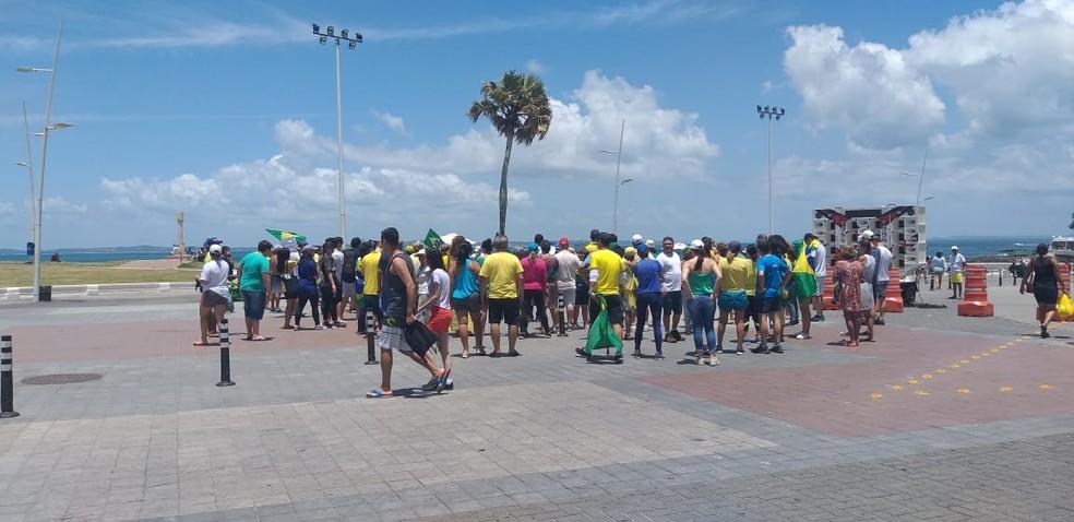 Protesto em Salvador neste sábado (9). — Foto: Tiago Reis/TV Bahia