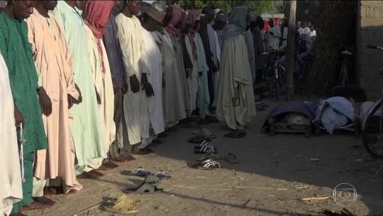 Ataque suicida mata 50 em mesquita na Nigéria, diz polícia