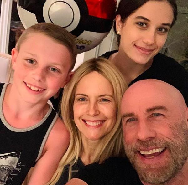 John Travolta e Kelly Preston com os dois filhos (Foto: Instagram)