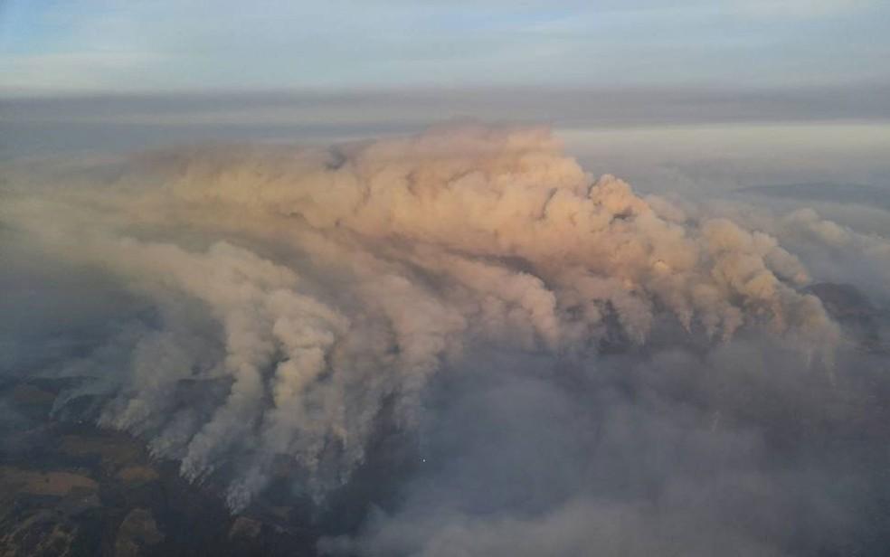 -  Fumaça de incêndios é vista sobre Sonoma Valley, na Califórnia, na terça-feira  10   Foto: Instagram/Greg Espiritu via Reuters