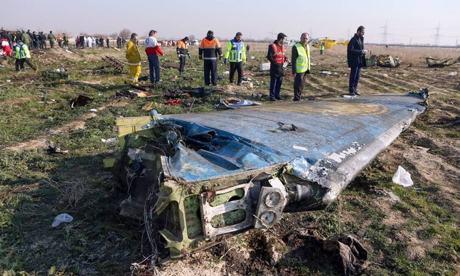 Destroços do Boeing 737-800 da Ukraine International Airlines