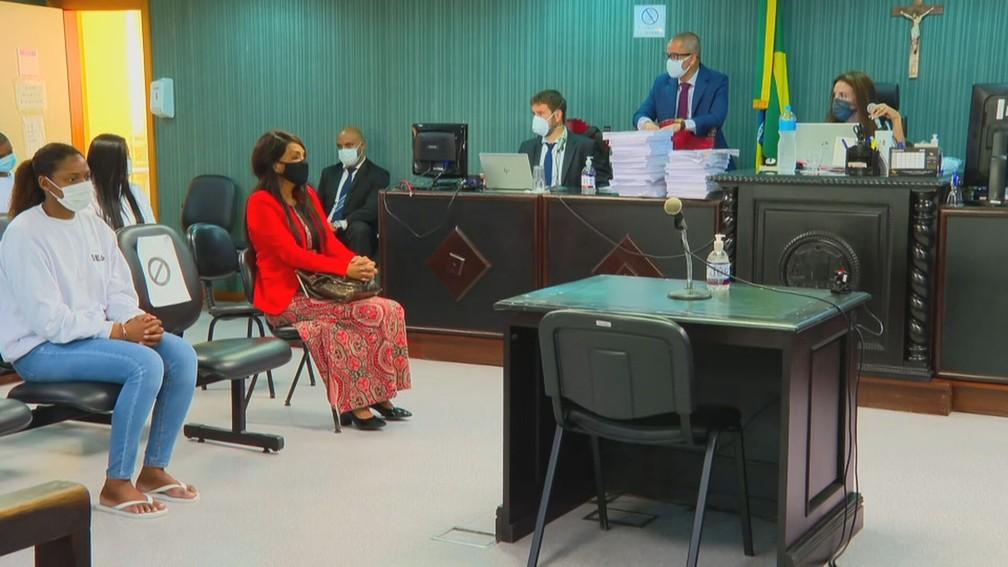 Flordelis no banco dos réus — Foto: Reprodução/GloboNews