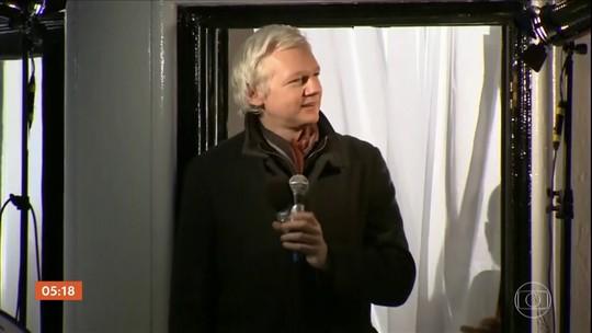 Equador não intervirá mais com Reino Unido por Assange, diz chanceler
