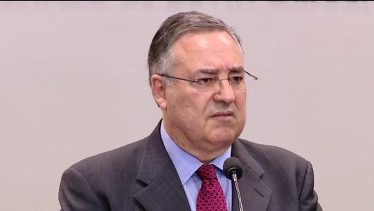 Justiça arquiva processo contra ex-governador de Santa Catarina
