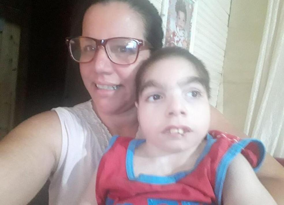 Neucy e o filho de 11 anos morreram depois de dias internados com Covid em Botucatu — Foto: Neiva Prudente/Arquivo pessoal
