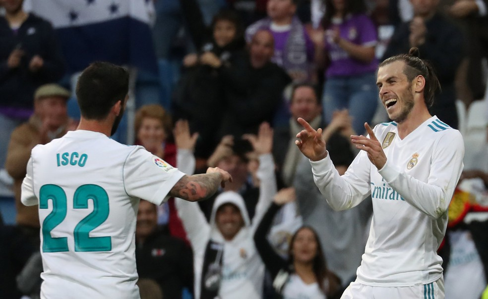 Isco e Bale, do Real Madrid, estariam sendo observados pelo PSG — Foto: Reuters