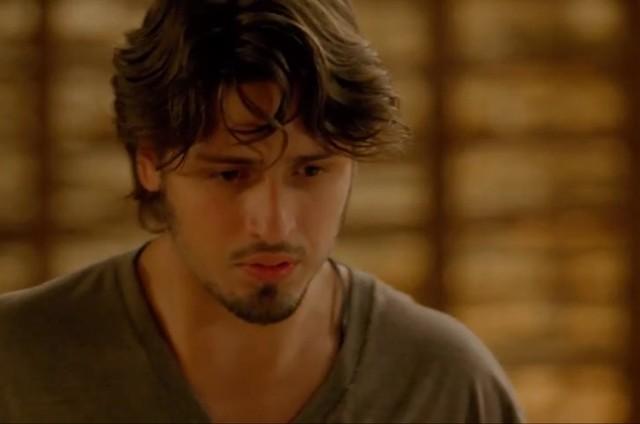 Daniel Rocha é Rafael em 'Totalmente demais' (Foto: TV Globo)