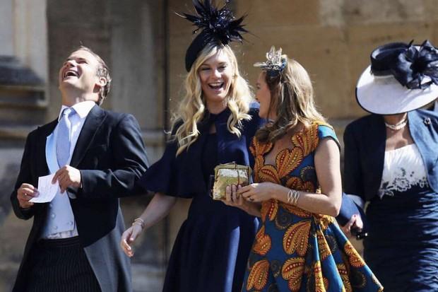 Chelsy Davy, a ex-namorada de Harry, chega à cerimônia (Foto: Getty Images)