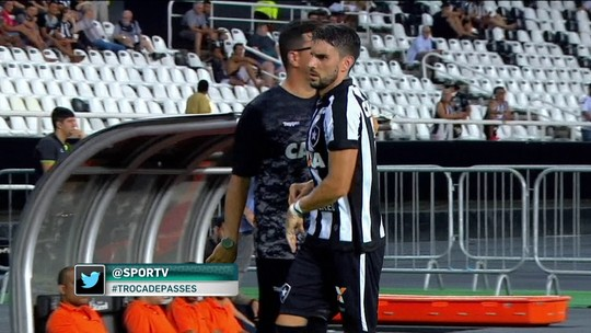 """Jornalista diz que Pimpão virou """"símbolo"""" da queda de rendimento do Botafogo"""