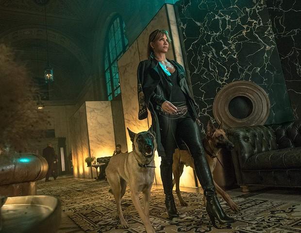 Halle Berry  em Jon Wick 3 (Foto: Divulgação)