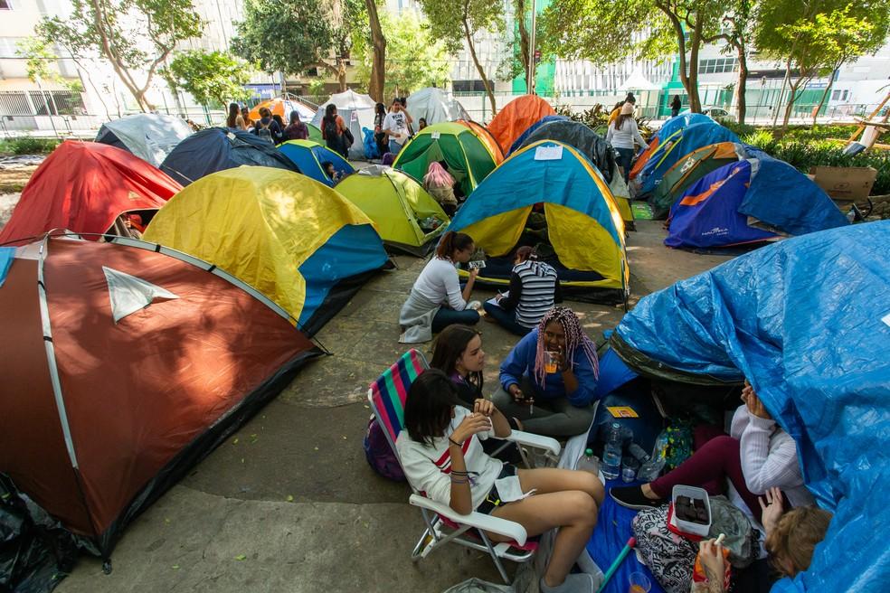 Fãs acampam desde fevereiro para show do BTS em São Paulo — Foto: Celso Tavares/G1