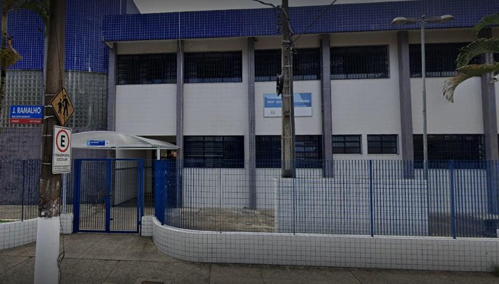 Caso ocorreu na Escola Municipal Professora Isabel Figueroa Bréfere, em Praia Grande — Foto: Reprodução/Google Maps