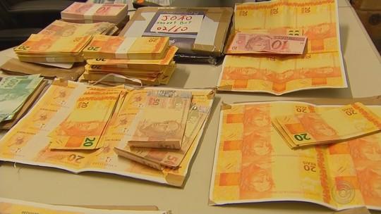 Homem é preso ao tentar enviar R$ 30 mil em notas falsas pelos Correios