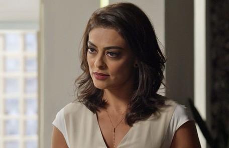 No sábado (8), Carolina (Juliana Paes) pergunta a Arthur se Eliza sabe da aposta feita entre os dois TV Globo