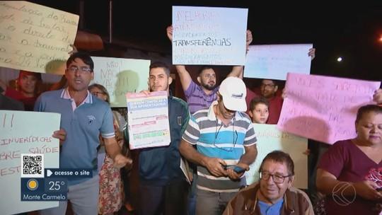 Moradores do Bairro Luizote de Freitas protestam contra as condições de UAI em Uberlândia