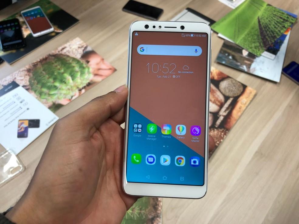 Zenfone 5 Selfie, novo smartphone da Asus (Foto: Helton Simões Gomes/G1)