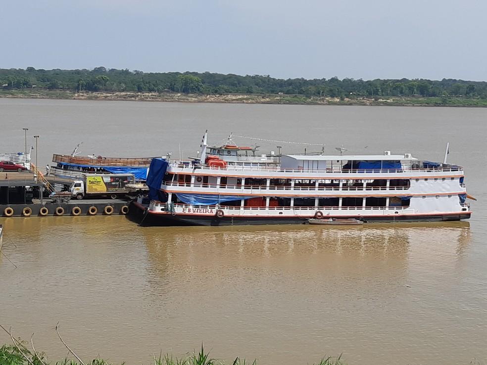 Viagem de Porto Velho a Manaus está com atraso de até um dia, segundo marítimo (Foto: Toni Francis/G1)