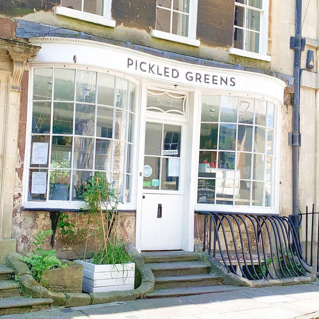 Conheça os lugares reais que aparecem nas cenas da série Bridgerton, da Netflix (Foto: Reprodução / Instagram / Pickled Greens)