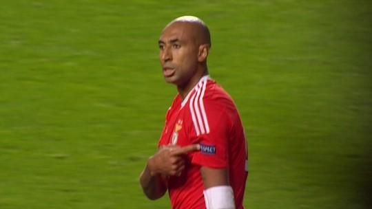 Luisão pede respeito após fazer gol da vitória do Benfica sobre Galatasaray