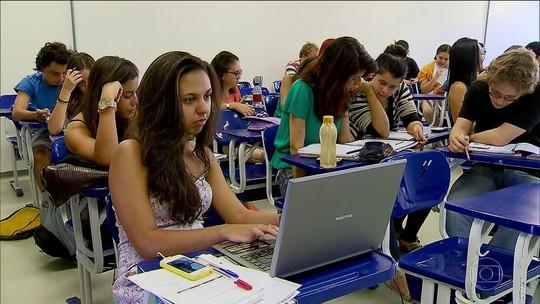 Governo acaba com o Ciência Sem Fronteiras para cursos de graduação
