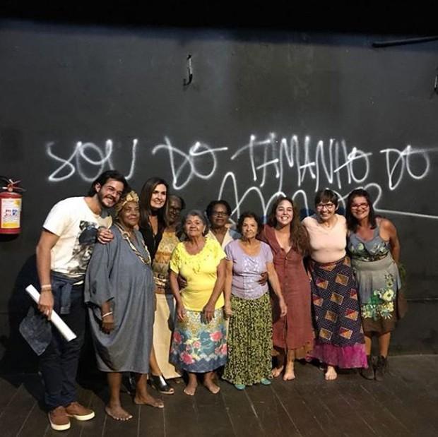 Fátima Bernardes e Túlio Gadelha prestigiando espetáculo com Débora Lamm (Foto: Reprodução/Instagram)