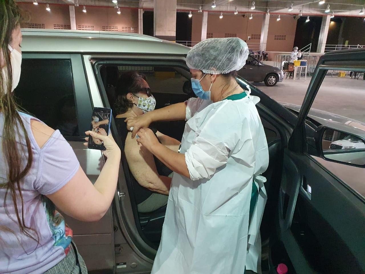 Últimos cadastrados com comorbidades serão vacinados contra a Covid-19 até esta terça-feira (25) em Fortaleza