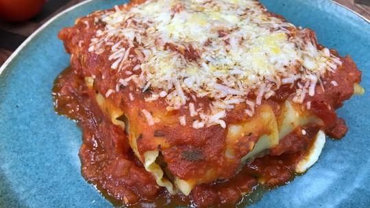 Aprenda a fazer molho de tomate, de carne moída e branco para suas massas