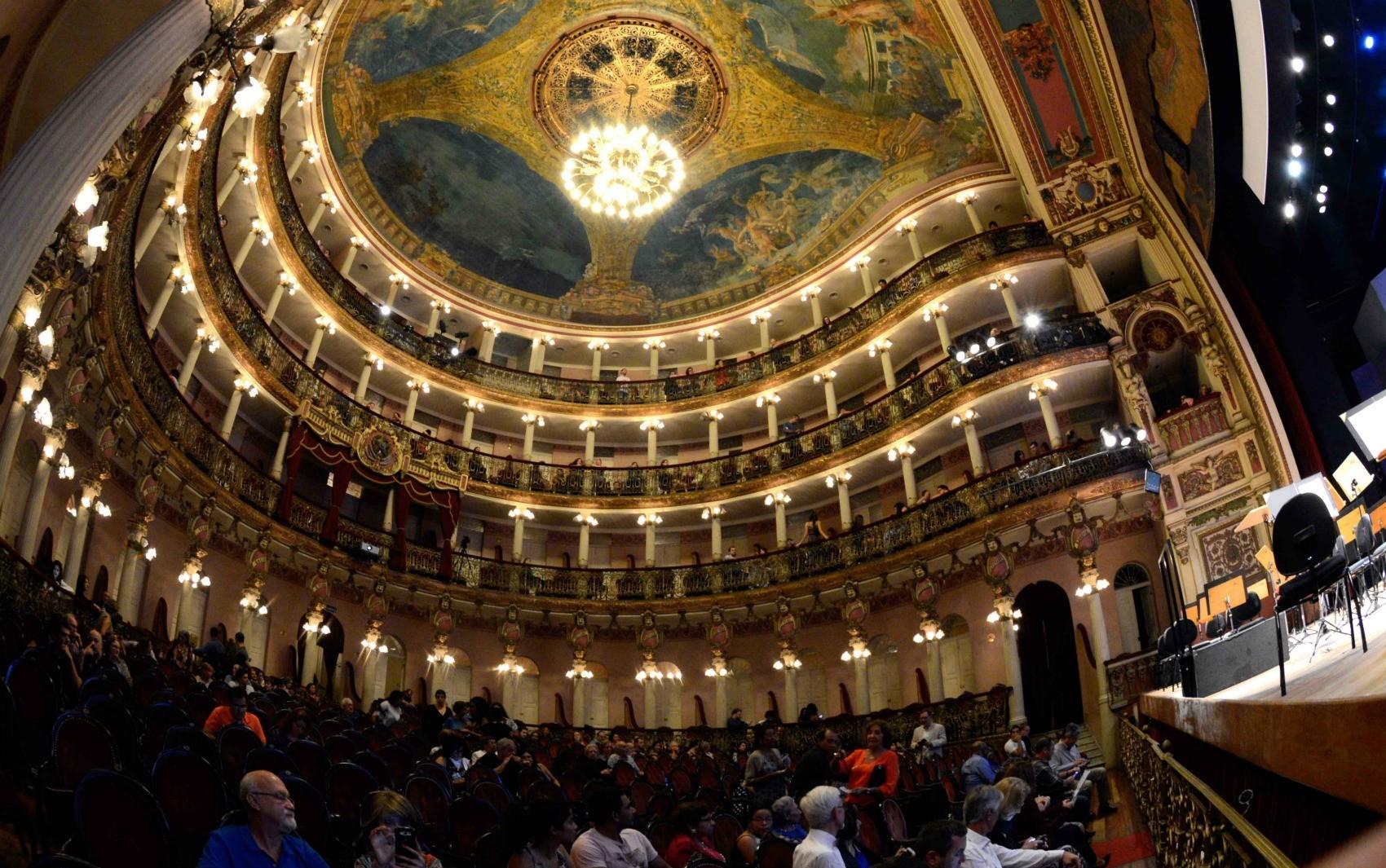 Orquestra Amazônica apresenta três concertos em janeiro no Teatro AM