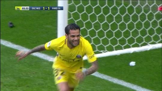"""Radar da Seleção: Dani Alves """"matador"""", gol de Willian José e Alex Sandro mal"""
