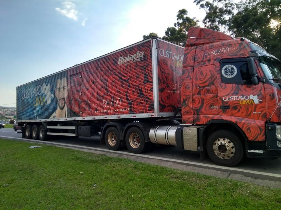Caminhão da banda de Gusttavo Lima é alvo de criminosos  (Foto: Divulgação )