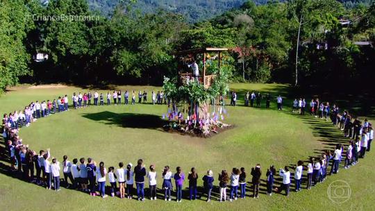 'Árvore dos Desejos': crianças de Blumenau realizam sonhos