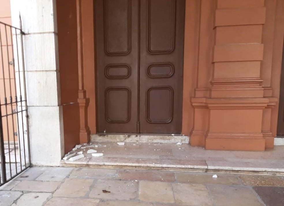 Alguns pontos foram isolados para reparo no Theatro da Paz, segundo Secult. — Foto: Victor Furtado / O Liberal