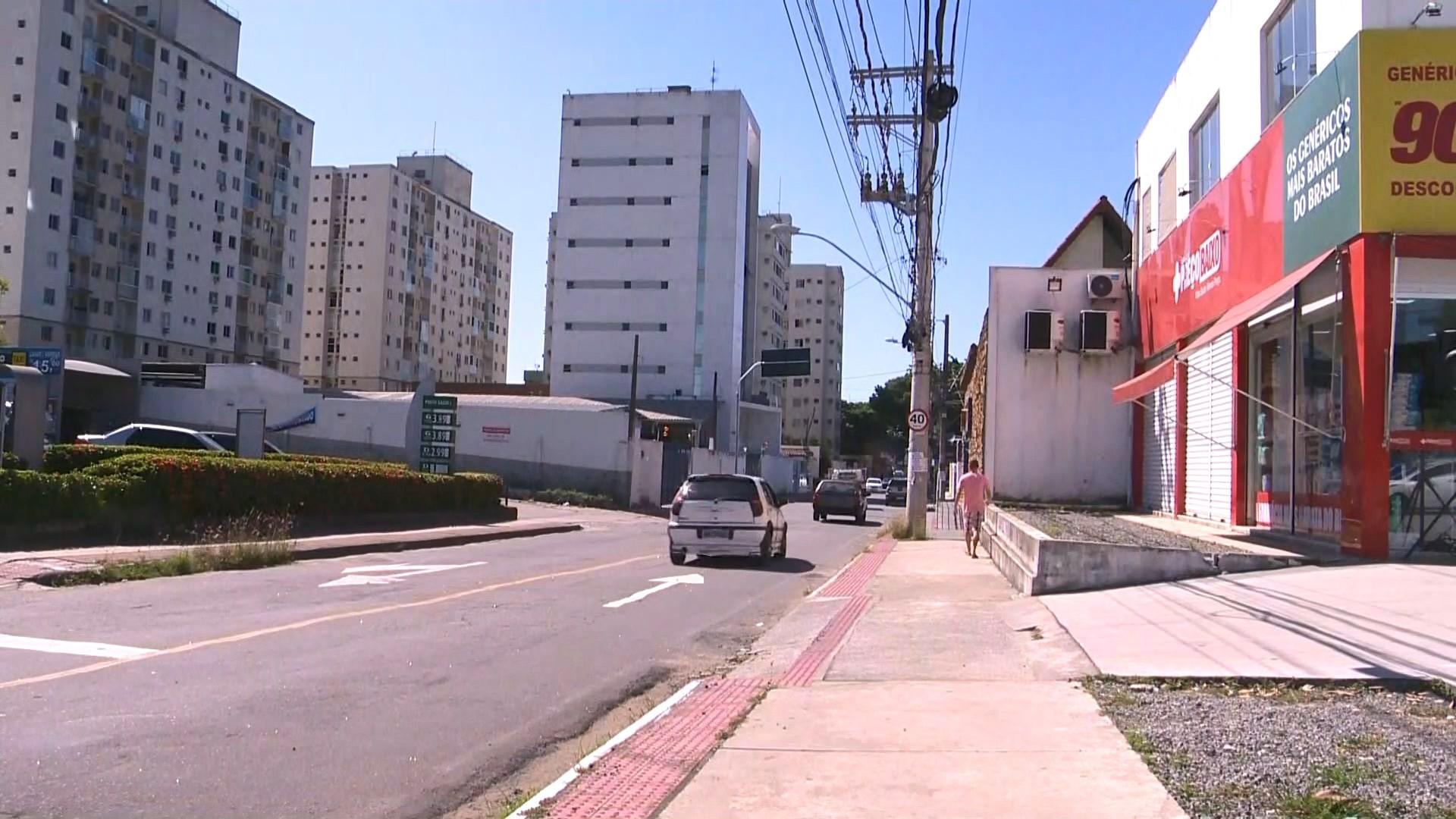 Duas farmácias são assaltadas na Serra, ES, e três suspeitos são presos