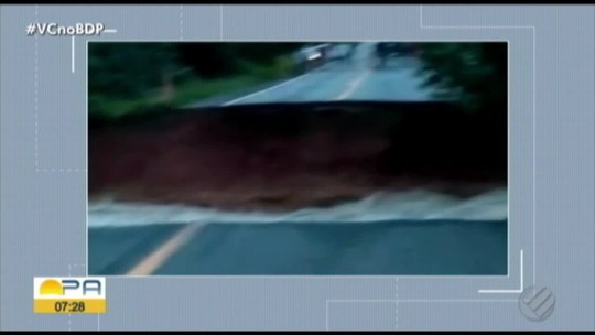 BR-010, a Belém-Brasília, fica interditada após chuvas romperem rodovia no Pará