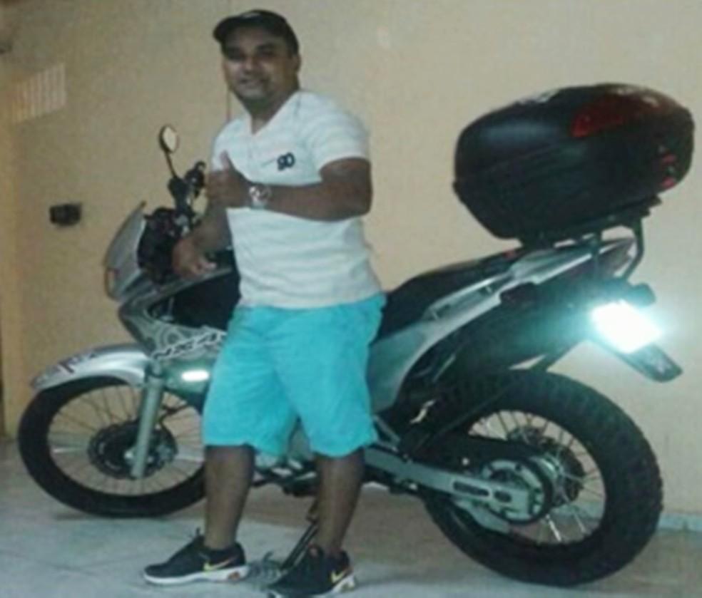 Edson Nascimento de Souza, de 30 anos, foi visto pela última vez no dia 22 deste mês — Foto: Arquivo da família