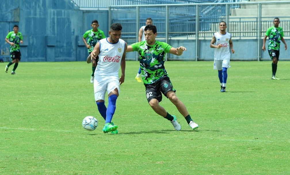 Manaus e Nacional fizeram jogo-treino no estádio da Colina, neste sábado (Foto: Emanuel Mendes Siqueira)