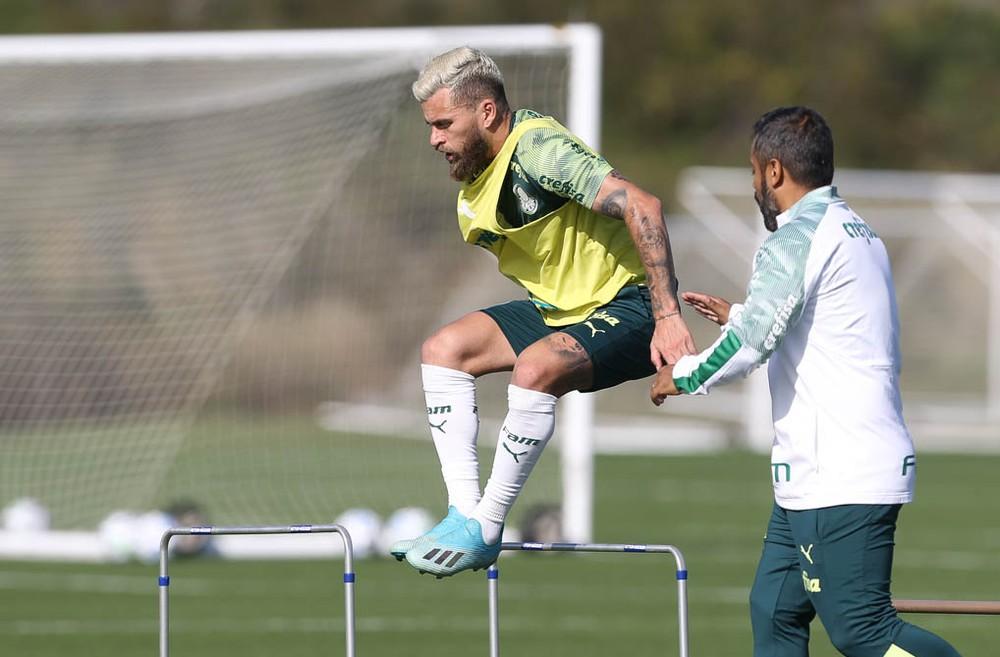 COMENTE: Lucas Lima dará a volta por cima no Palmeiras com Vanderlei Luxemburgo?
