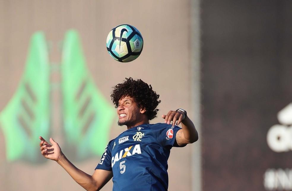 Aro ainda no fez sua estreia na temporada de 2018 jogador tem chance de retornar contra o Fluminense Foto Gilvan de SouzaFlamengo