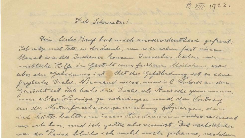 Carta manuscrita de Einstein, de 1922, em que fala sobre o antisemitismo e de sua saída de Berlim — Foto: Kedem Auction House - Jerusalem