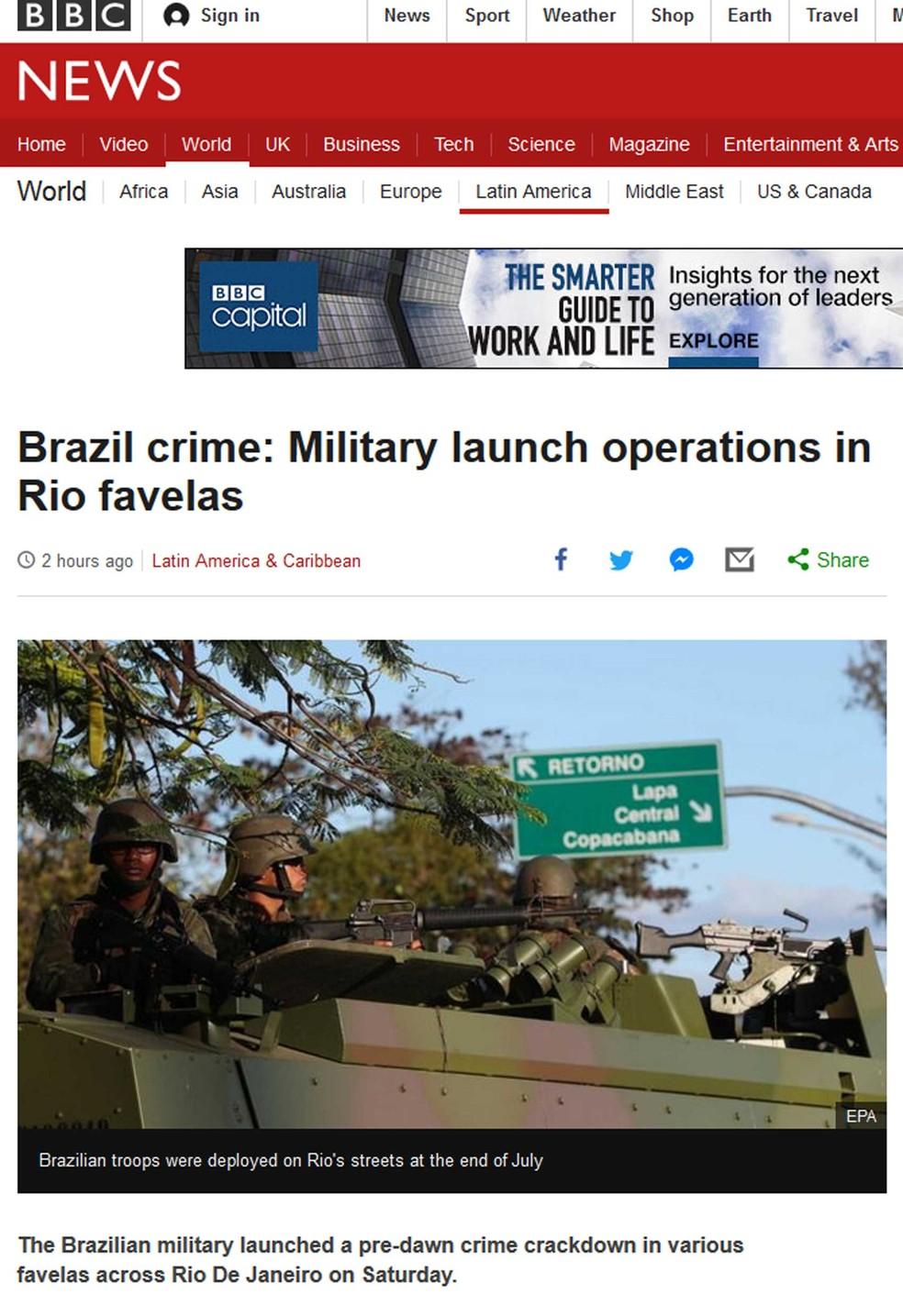 Reportagem da BBC sobre ação no Rio (Foto: Reprodução/BBC)