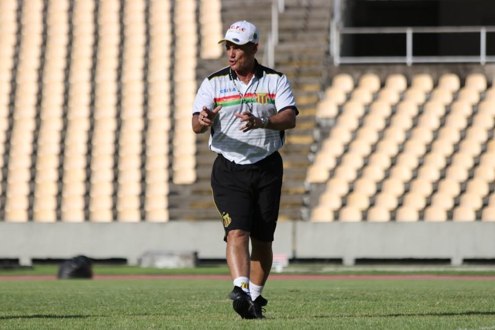 Paulo Roberto deve fazer duas mudanças na equipe (Foto: Lucas Almeida / L17 Comunicação)