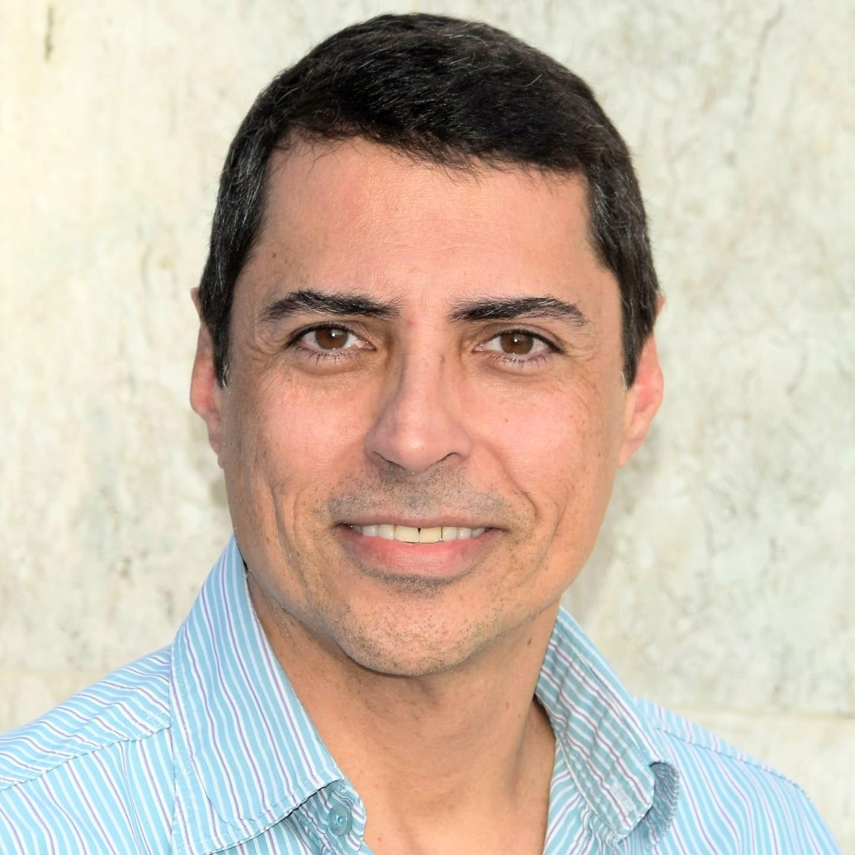 Morre em Resende, aos 51 anos, o jornalista Fabio Brunelli