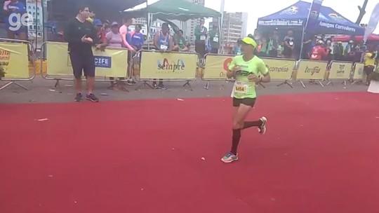 Eliene Florêncio termina em 2º lugar na Maratona Maurício de Nassau